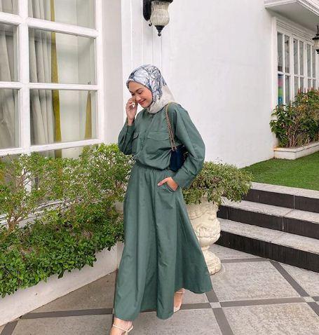 Referensi Outfit Kondangan dengan Hijab Printing
