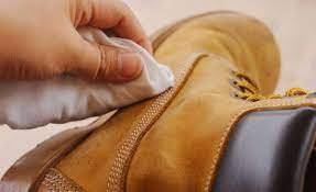 cara mencuci sepatu kulit