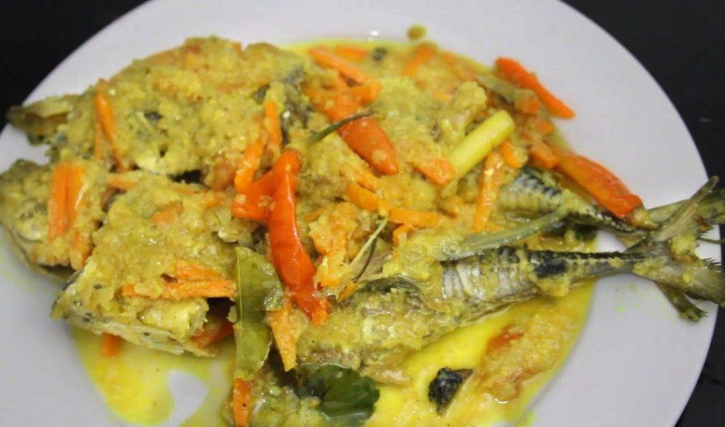 Resep Ikan Mas Pesmol Bumbu Kuning Yang Nikmat Dan Sedap