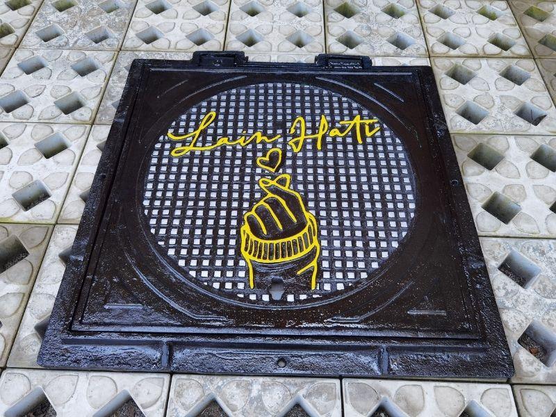 manhole cover saluran drainase
